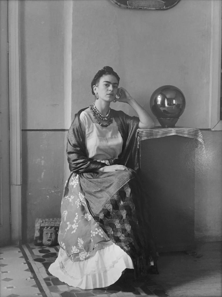 Manuel Alvarez Bravo, Frida Kahlo, 1930, Photographie, 25 x 20 cm, galerie Thessa Herold.