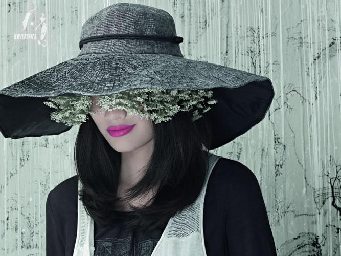 Liang Zi, styliste chinoise et fondatrice de Tangy. La soie de terre, d'eau, de soleil.