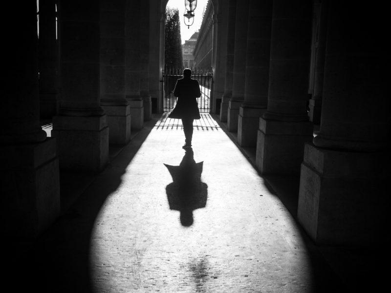 """Michel Setboun"""" Paris lumière noire """", Hong Kong aéroport. Du 06 au 24.05. Paris, galerie Hégoa. A partir du 16 juin."""