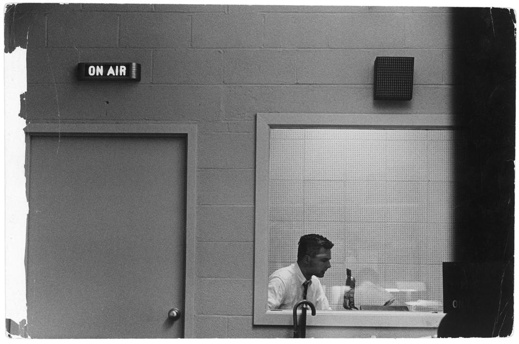 (c) Erich Hartmann-Magnum Photos