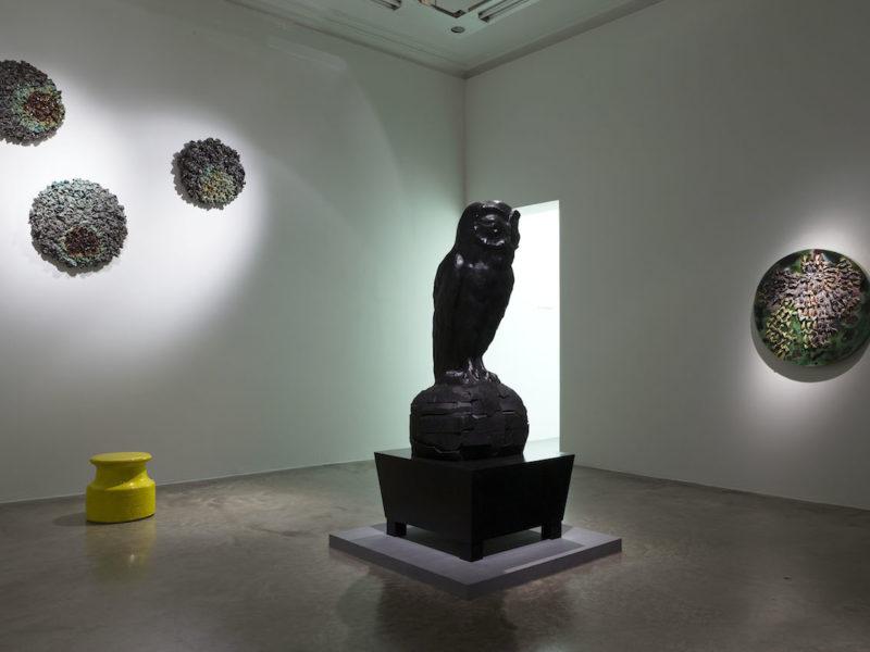 Johan Creten entre en politique à la galerie Emmanuel Perrotin. Du 10 janvier au 10 mars.