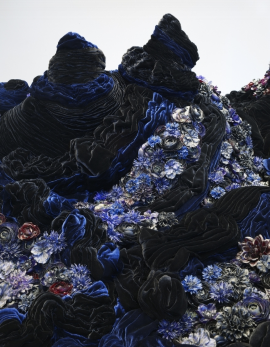 Petah Coyne Untitled #1379 (The Doctor's Wife) (detail), 1997-2018 73.5 x 96 x 195 inches (186.7 x 243.8 x 495.3 cm)