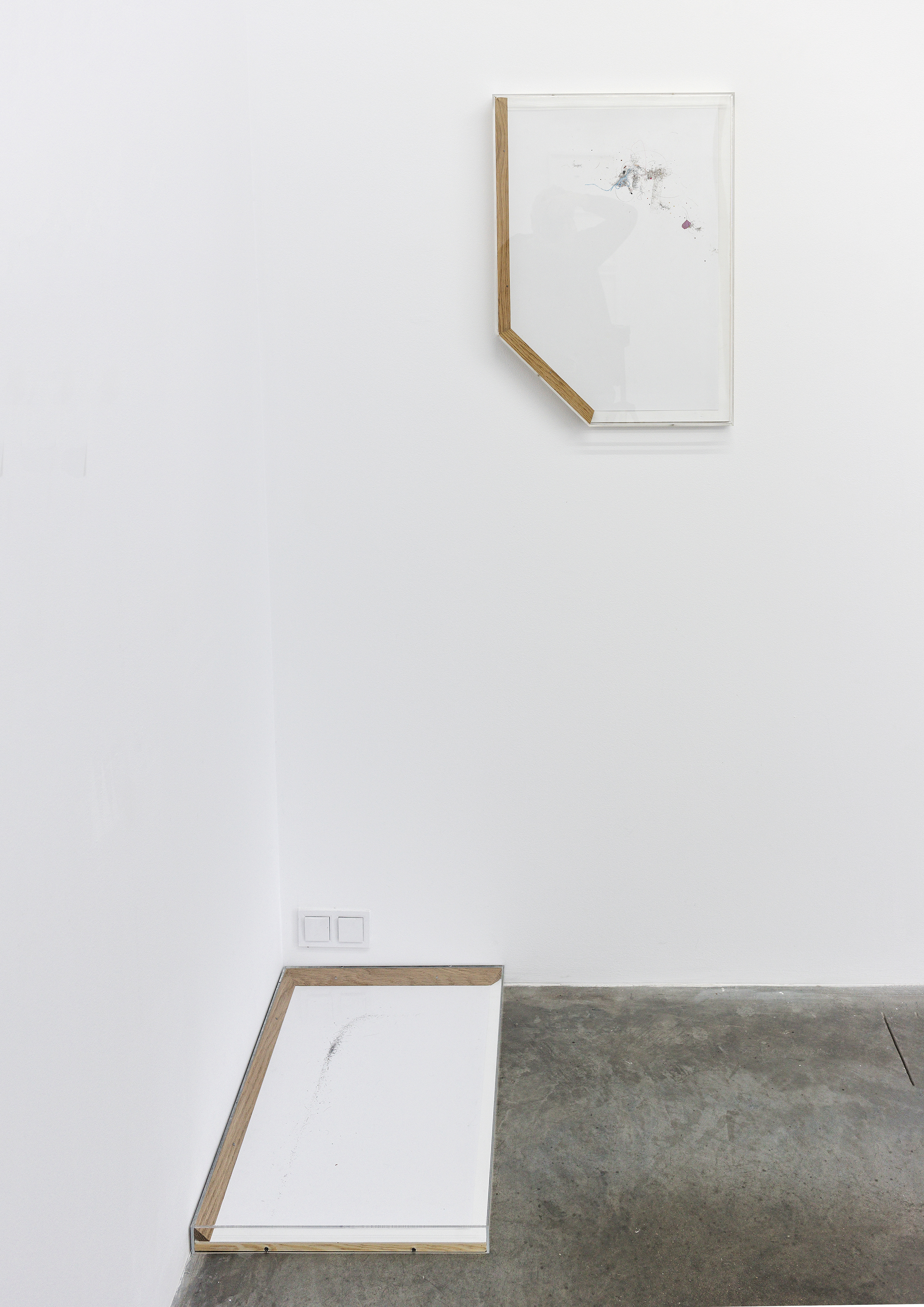 Michail Michailov, dust to dust, installation, Let them draw II (drawing and withdrawing), Sariev Contemporary, Plovdiv 2017