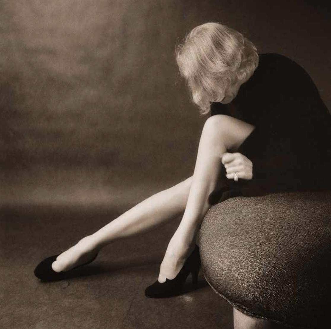 MARLENE DIETRICH, NEW YORK 1952 (©MILTON H. GREENE, COURTESY GALERIE DE L'INSTANT, PARIS)