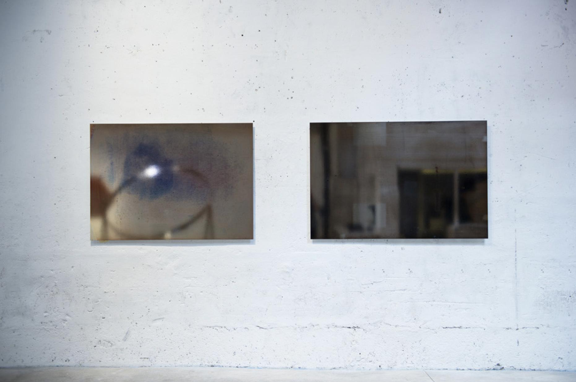 Liz Deschennes, « Right / Left #5 », #4,  2009, Unique silver toned photogram, 101.6 x 137.2 cm. Courtesy de l'artiste, collection privée.