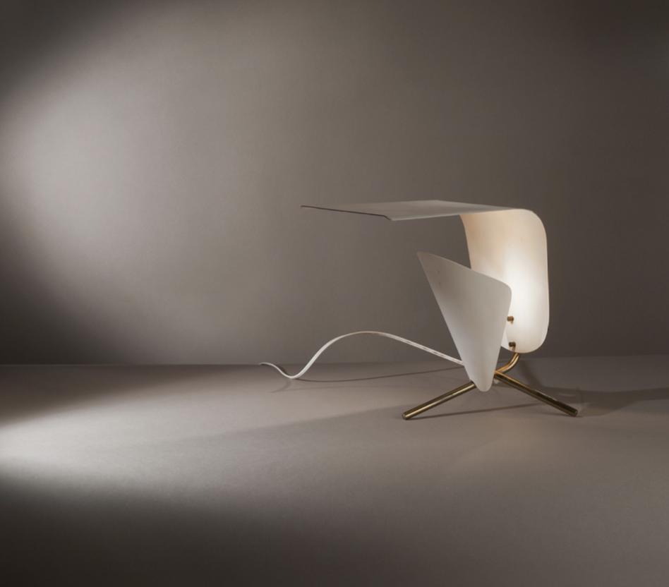 ©Alberto Ricci/Meubles & Lumières, LEGENDES  Lampe modèle B 204 de Michel Buffet Edition Luminalite France, 1954 H. 32 cm