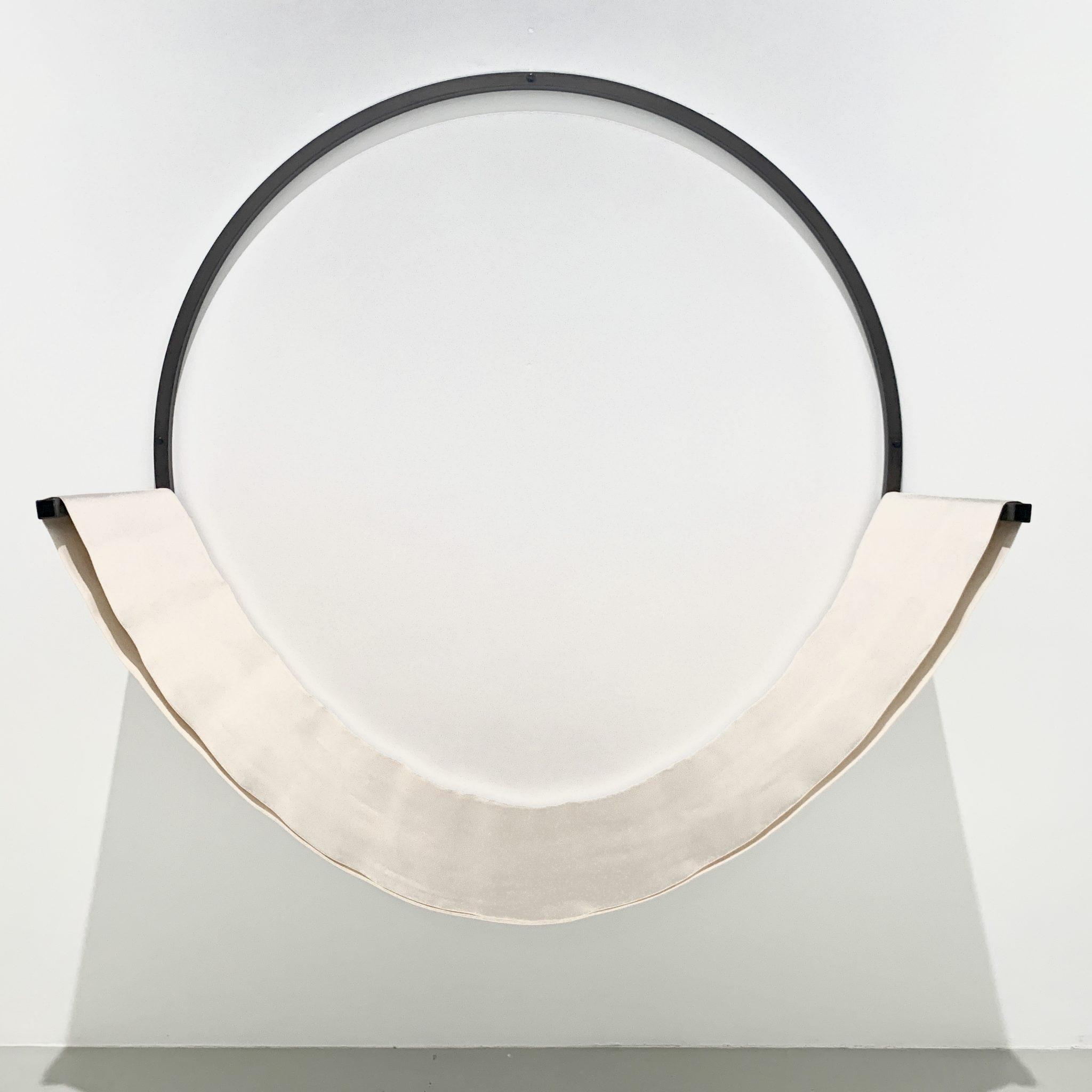 Gabrielle Conilh de Beyssac, «Hammac», scuplture en acier et coton. Collection Frac Alsace, Sélestat. Courtesy artvisions2020.