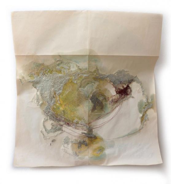 Planisphere 5, 2012, papier feuillet d'Atlas, couture machine, au fil de coton, huile, sucre, vernis, 62X64 cm