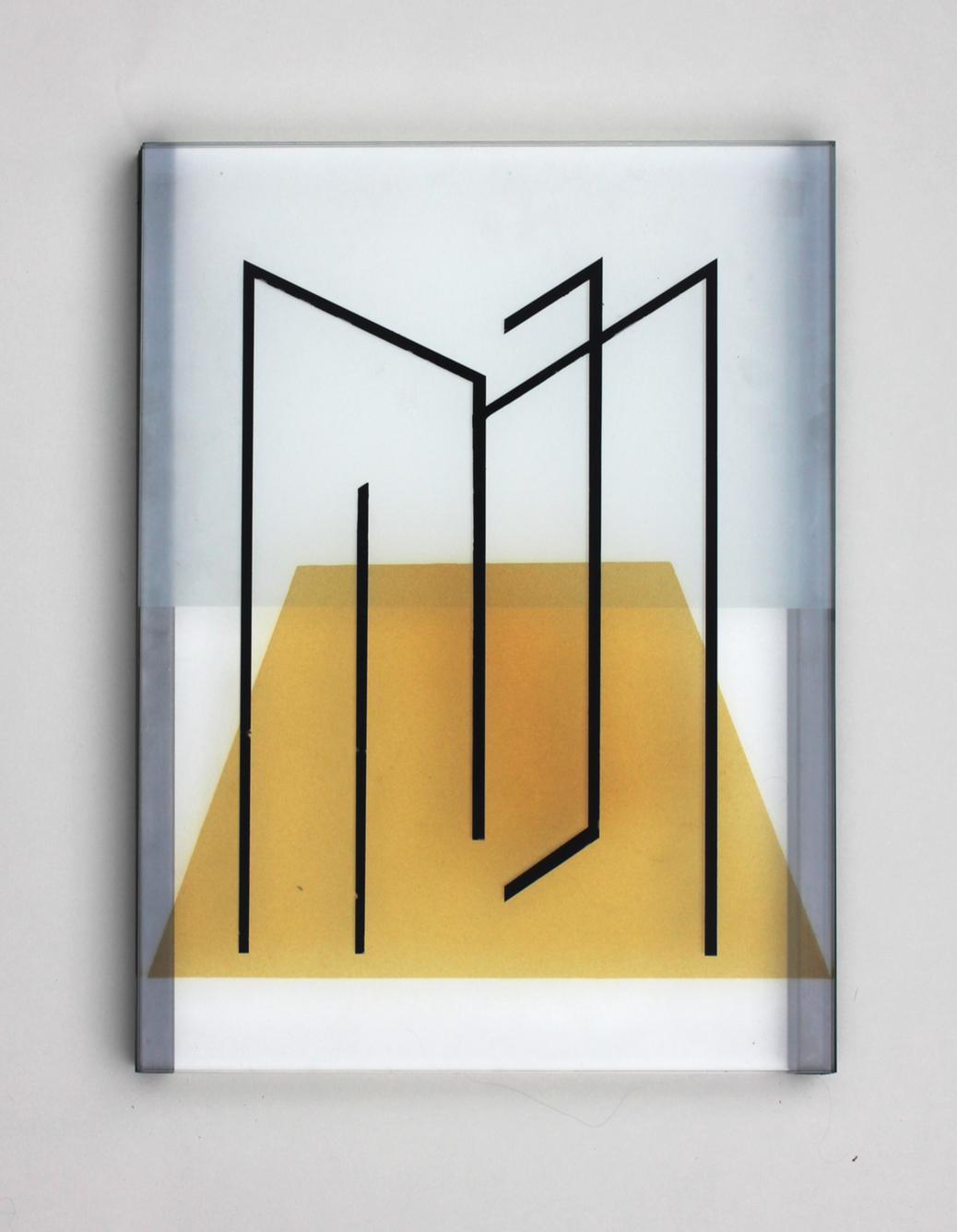 Pia Rondé & Fabien Saleil, Image tranchante MF #02, 2019 verre, cément jaune d'argent, mousseline, grisaille, acier 40 x 30 cm. Unique, courtesy galerie Valeria Cetraro.