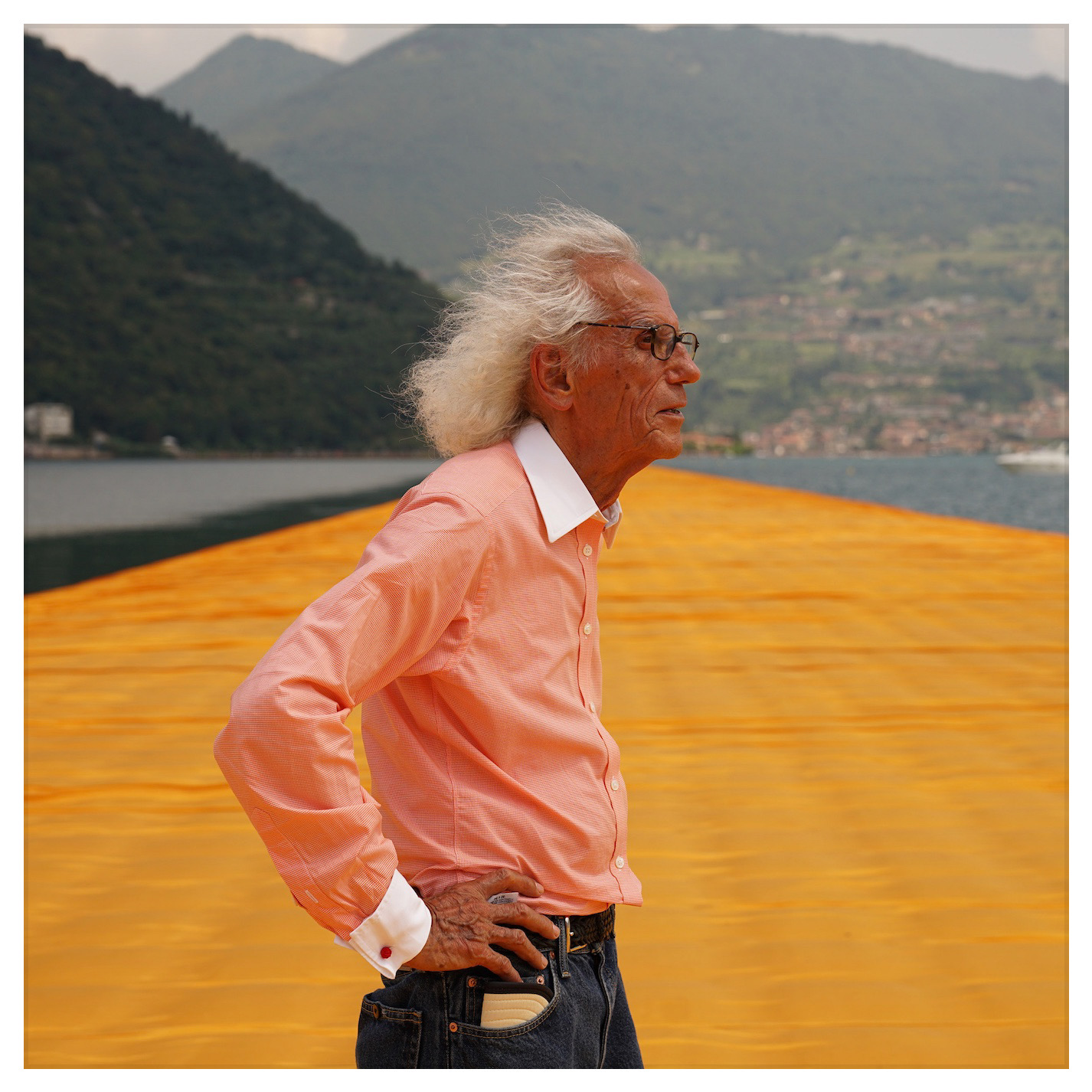 Portrait de Christo, Floating Piers, photo Wolfgang Volz, 2016, courtesy Christo 2016.