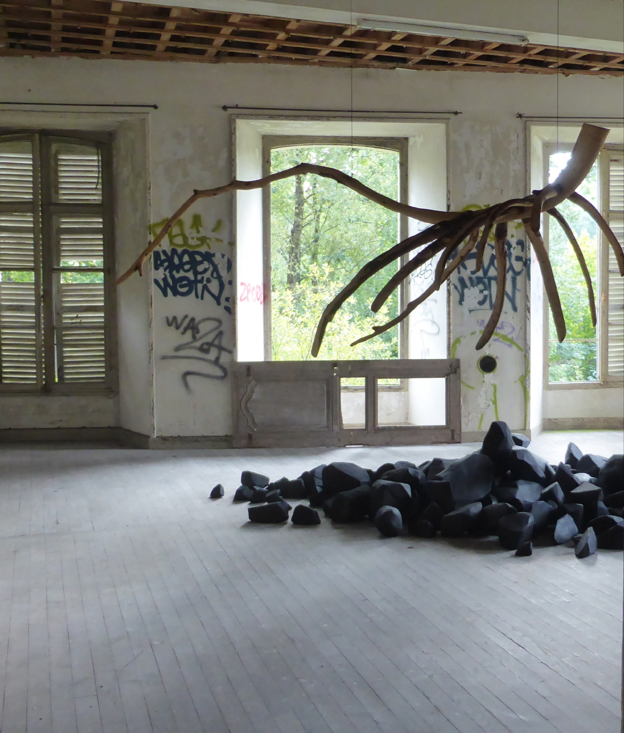 GARDEN PARTY URBEX installation Lelia Demoisy 4 credit Jean Paul Matifat 2020