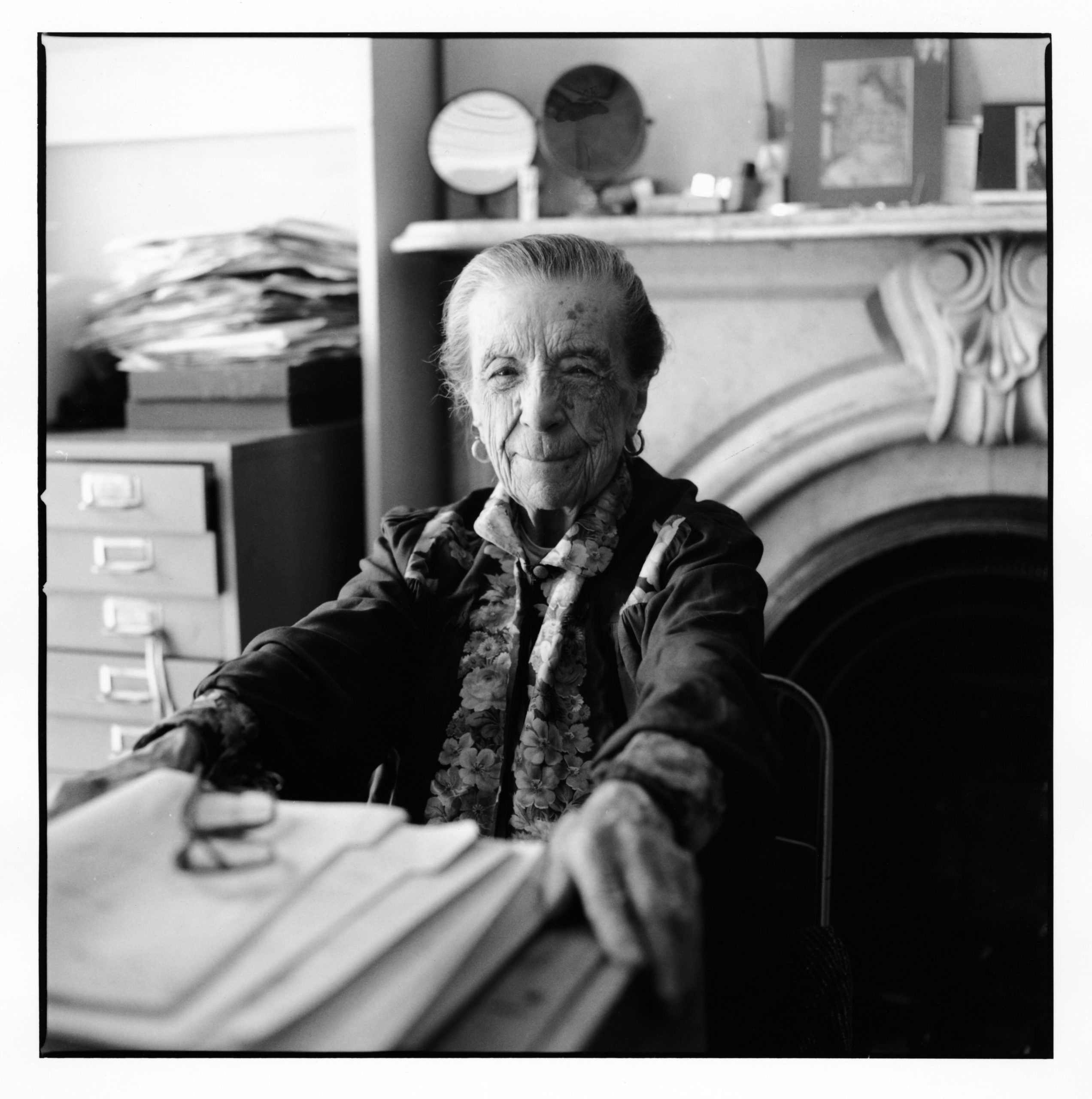 BOURGEOIS LOUISE-hires  Louise Bourgeois in her home on 20th Street in NYC in 2000.  Photo: © Jean-François Jaussaud