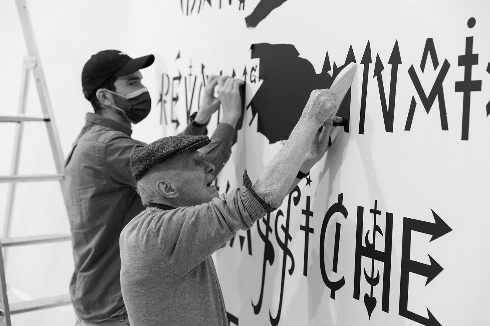 Vue du montage de l'exposition « Alphabet(s) », Galerie GP & N Vallois, Paris, France © Tadzio