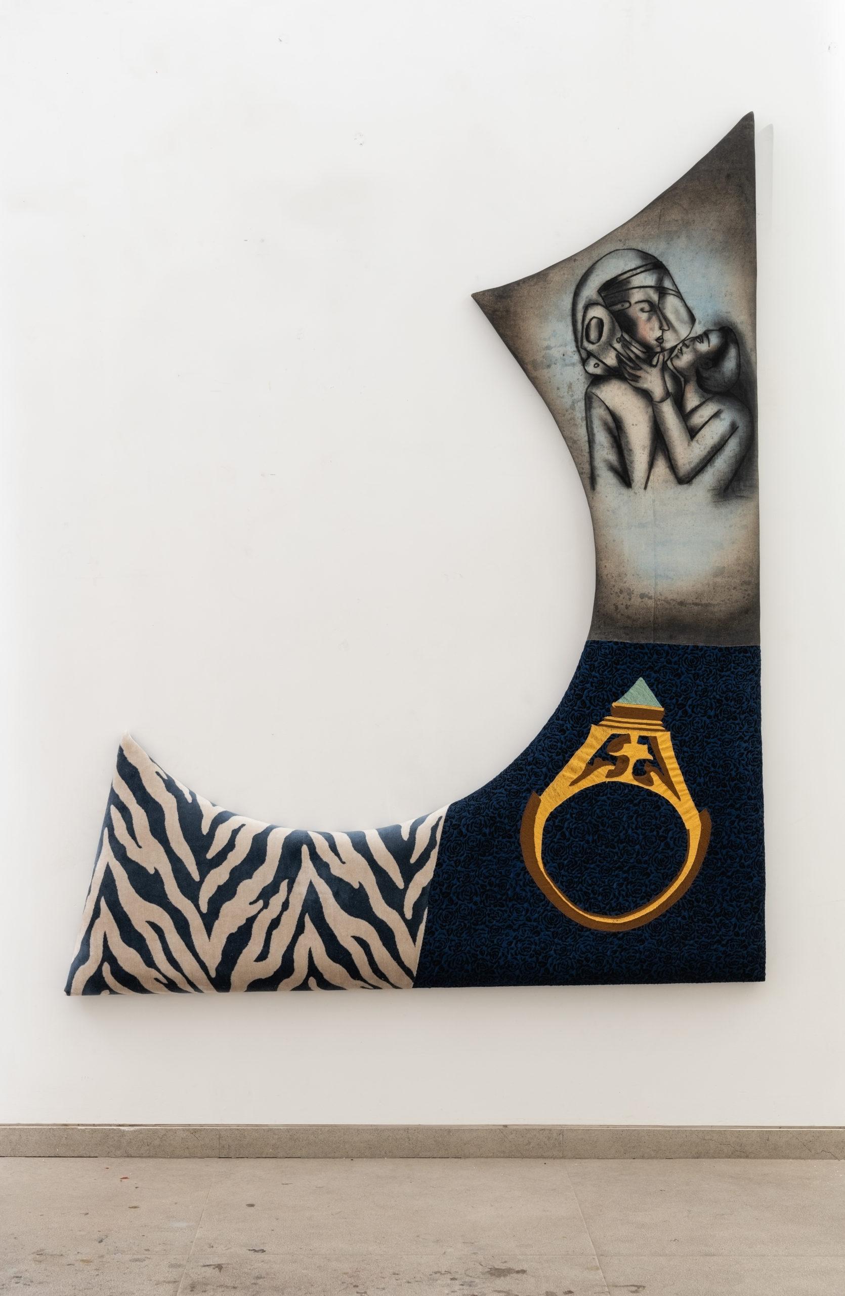 Anju Dodiya Moonlight drive2021  Sculpture Fusain et aquarelle sur tissu tendu sur planche rembourrée / Charcoal and watercolour on fabric combine stretched on padded board.  122 x 51 x 6 cm – 48 x 20 1/8 x 2 3/8 in., courtesy galerie Templon Paris-Bruxelles